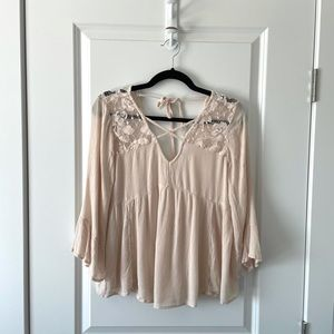 AMERICAN EAGLE / PINK LACE FLOWY BLOUSE